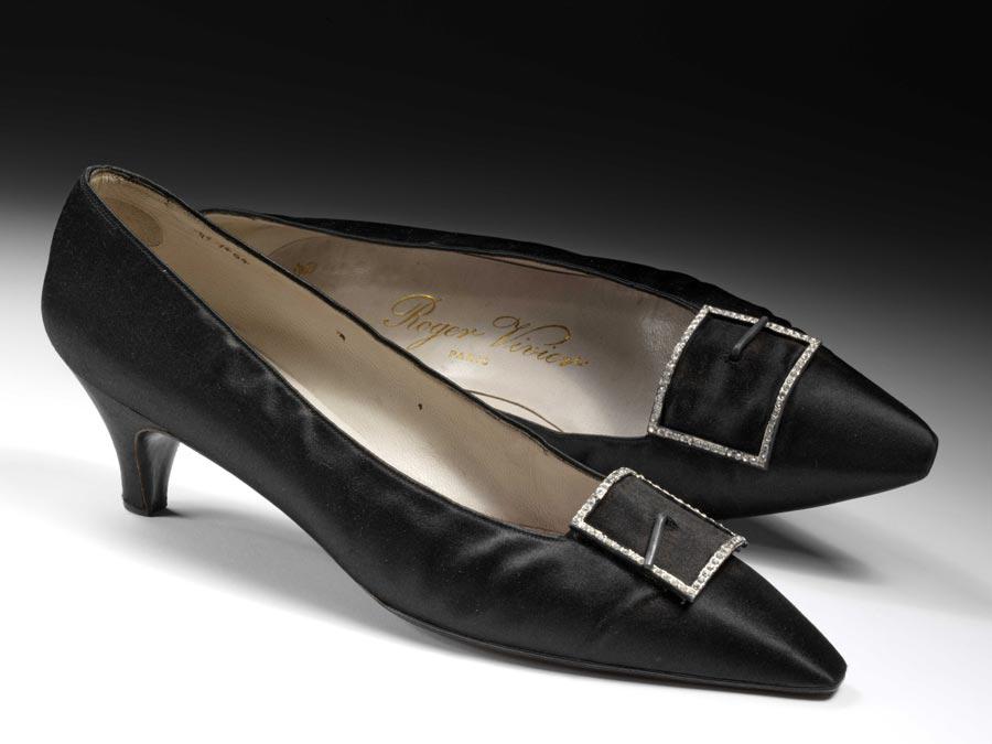 Roger vivier shoes online. Online shoes for women