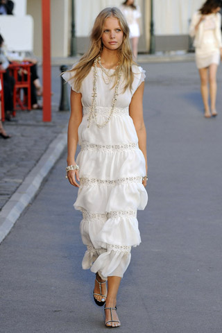 Resort 2011 Chanel Searching For Style