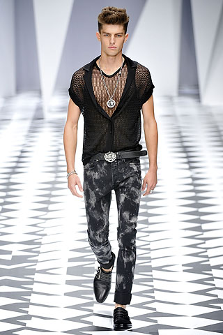 Menswear Spring Summer 2011: Versace | Searching for Style