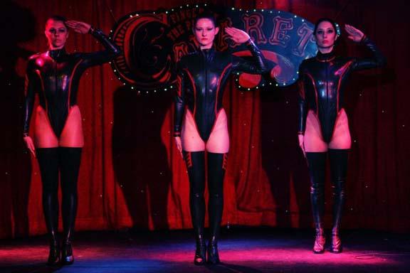 troupe cabaret 16