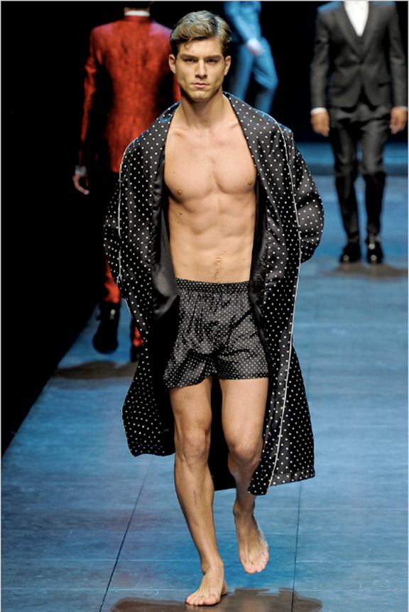 Dolce & Gabbana, menswear, Dolce & Gabbana menswear, autumn winter 2011, fall 2011, menswear catwalks, fashion shows, naked guys