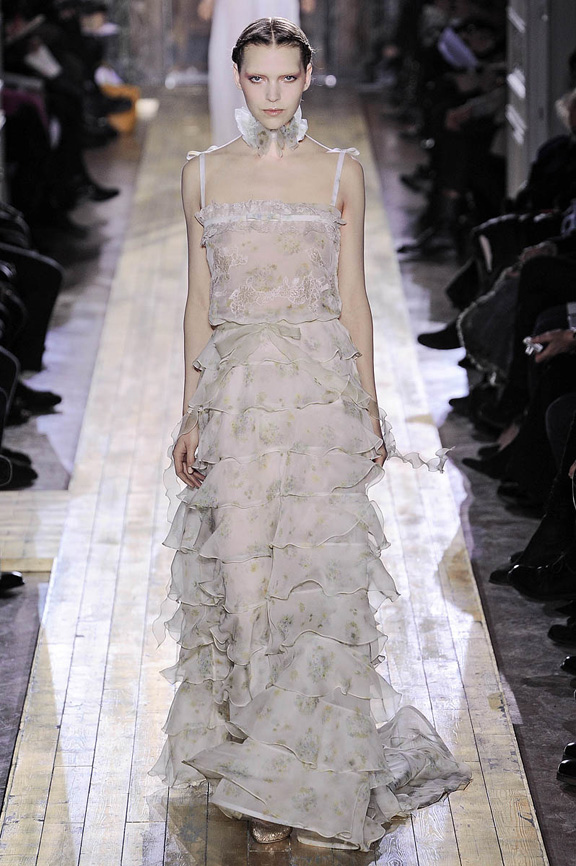 Valentino, Haute Couture, luxury, evening gowns, bridal, Paris, fashion shows, catwalk