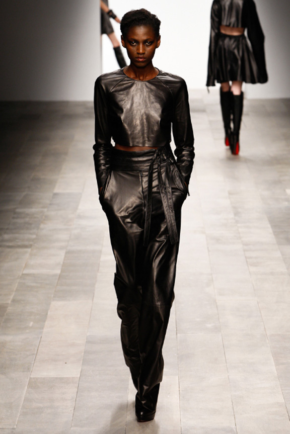 Mark Fast, leather, knitwear, womenswear, London fashion wee