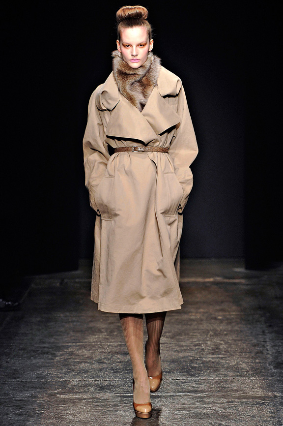 Donna Karan, New York Fashion Week, womenswear, autumn winter 2011,  glamour, fur