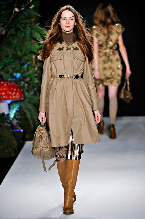 Mulberry, trench coats, duffle coat, english heritage, womenswear, London fashion week, autumn winter 2011