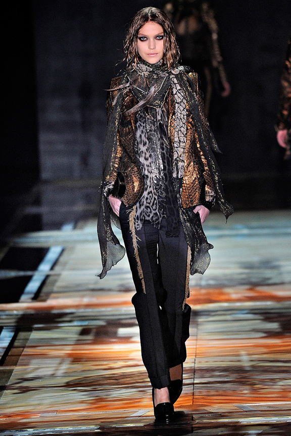 Roberto Cavalli, fur, animal prints, womenswear, Milan fashion week, autumn winter 2011