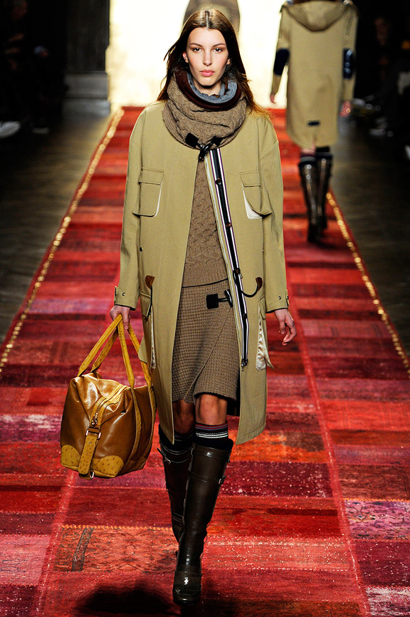 Tommy Hilfiger, New York Fashion Week, womenswear, autumn winter 2011, outwear, duffle coats, knitwear, American sportswear