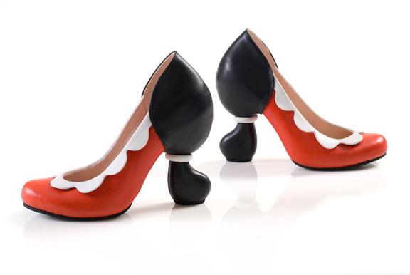 The Heelless Shoe Makes a Comeback | Vintageeva's Blog