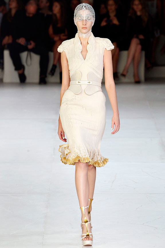 Alexander McQueen, Sarah Burton, Paris fashion week, fashion shows, catwalk, spring summer 2012