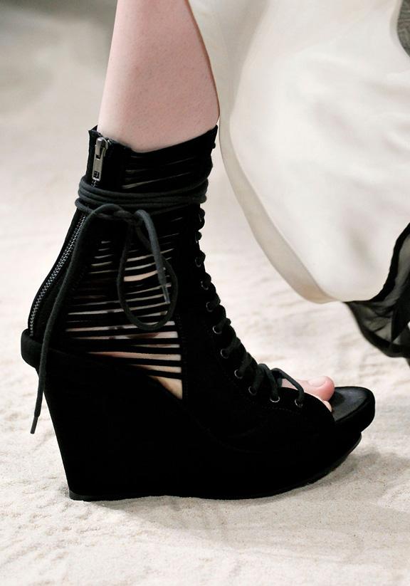spring summer 2012, amazing shoes, catwalk shows, Paris, Ann Demeulemeester