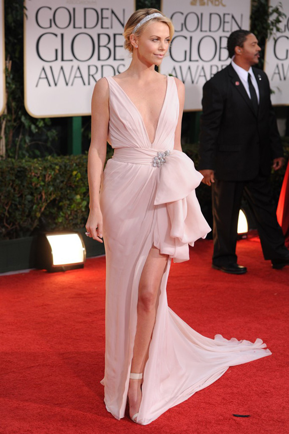 red carpet fashion, Golden Globes, celebrities, Charlize Theron, Dior Couture