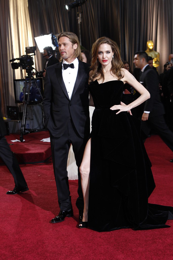 academy awards, oscars, red carpet, celebrities, Angelina Jolie, Atelier Versace