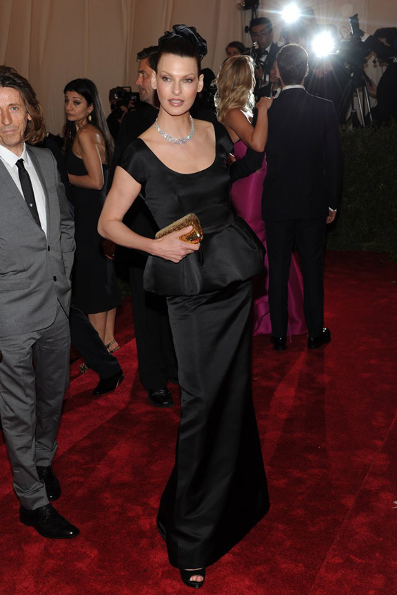 Met ball, fashion, celebrities, red carpet, evening wear, linda evangelista