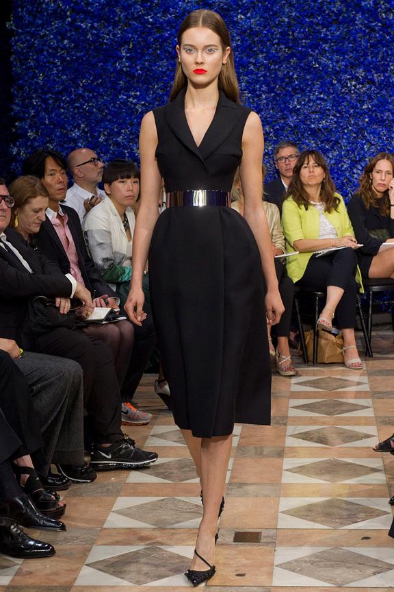 paris, haute couture, runway shows, catwalk, dior, raf simons