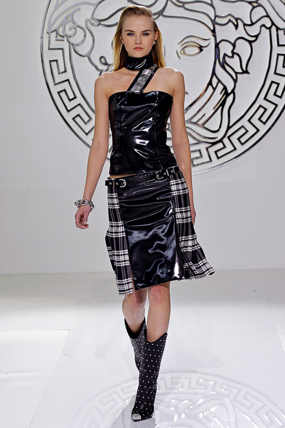 Milan, catwalk, runway show, review, critic, fall winter 2013, versace