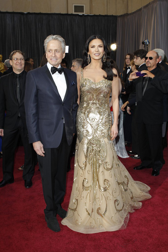 Catherine Zeta Jones in Zuhair Murad Couture. Gold and glamorous.