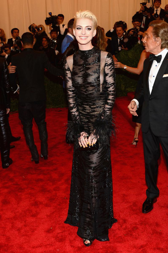 met gala, ball, red carpet, celebrities, evening wear, anne hathaway, valentino