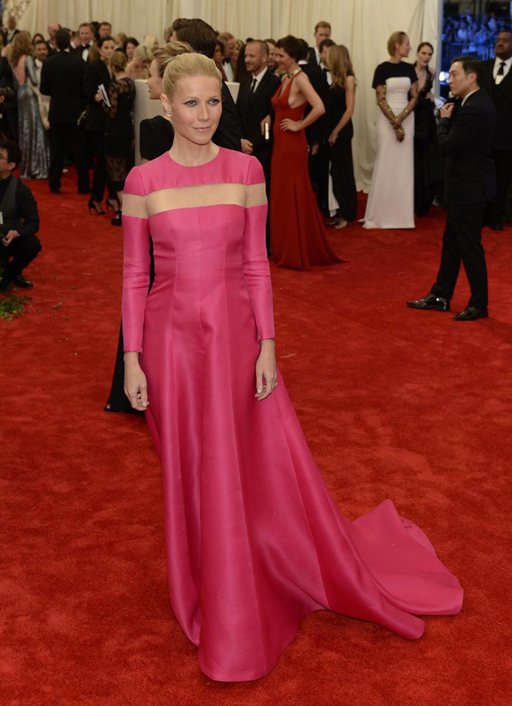 met gala, ball, red carpet, celebrities, evening wear, gwyneth paltrow, valentino