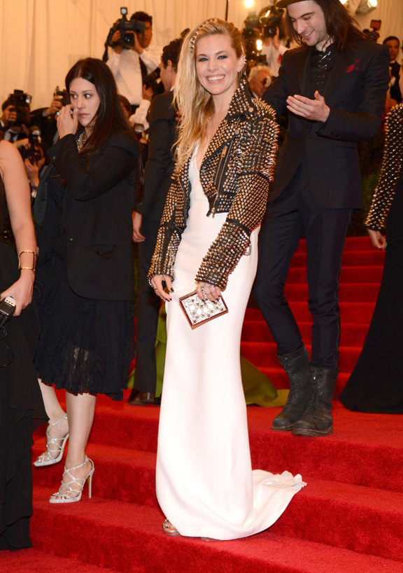 met gala, ball, red carpet, celebrities, evening wear, sienna miller, burberry
