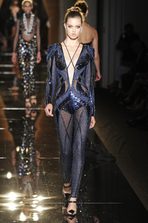 Paris, catwalk, runway show, review, critic, fall 2013, haute couture, atelier versace