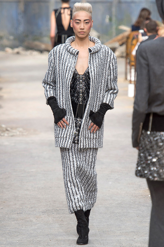 Paris, catwalk, runway show, review, critic, fall 2013, haute couture, chanel, karl lagerfeld