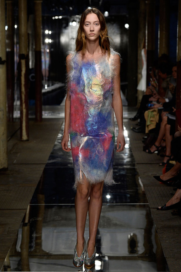 London fashion week, catwalk, runway show, review, critic, spring summer 2014, Christopher Kane