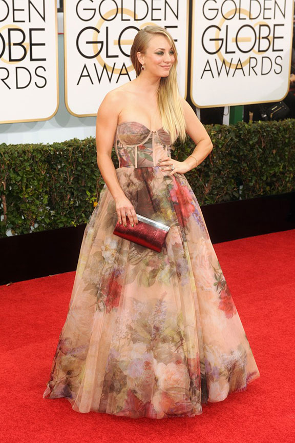 golden globes, red carpet fashion, dresses, kaley cuoco, celebrity fashion,