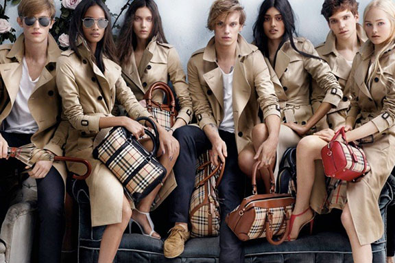 fashion photography, advertising campaigns, fashion magazines, styling, fashion shoots,  magazine ads, burberry, mario testino