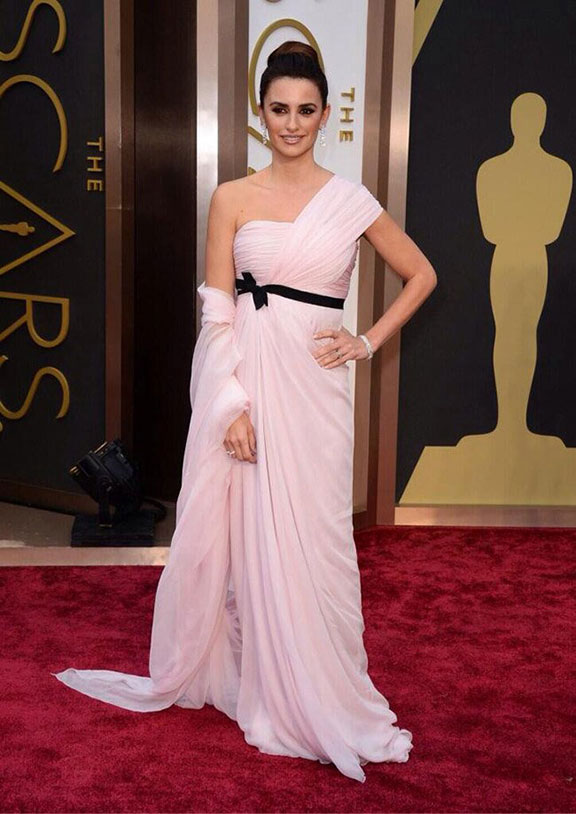 oscars, red carpet, 2014, academy awards, evening wear, celebrities, giambattista valli, penelope cruz