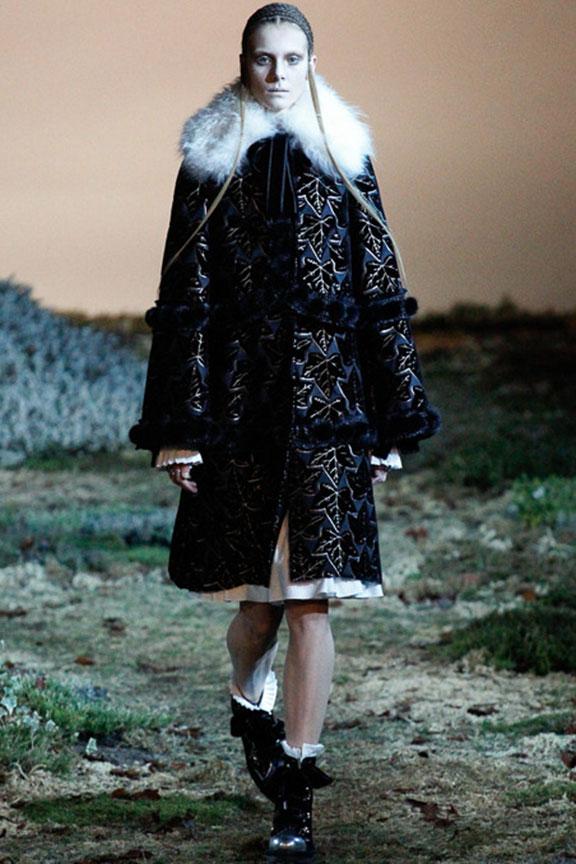 runway report, catwalk review, fashion critic, fashion week shows, paris fashion week, PFW, alexander mcqueen, sarah burton