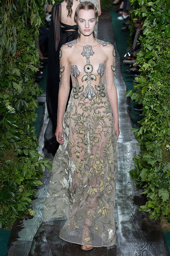 haute couture, catwalk, runway shows, fashion, paris, runway report, fashion critic, Valentino
