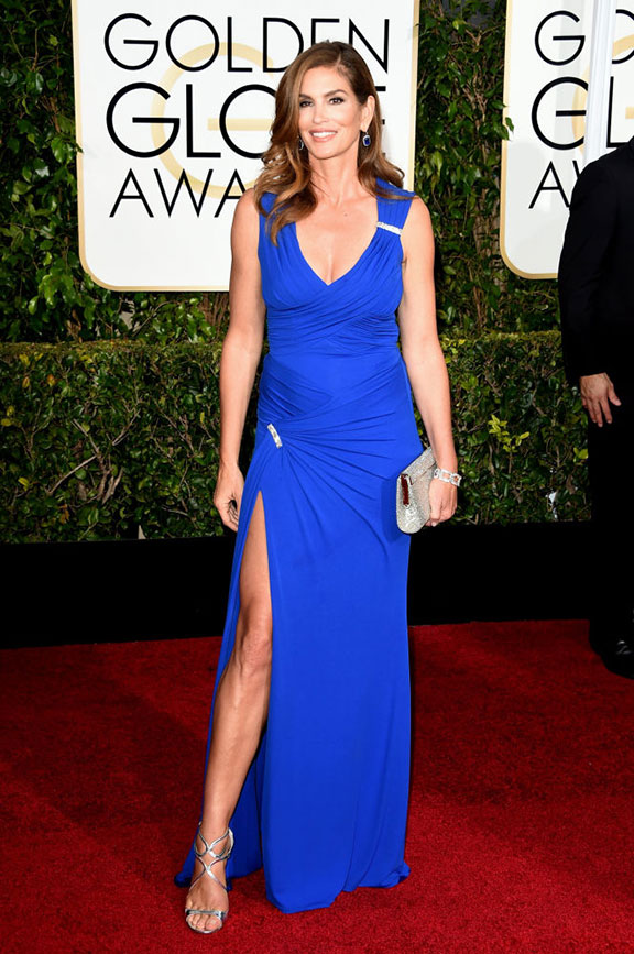 red carpet, golden globes, celebrity fashion, evening wear, cindy crawford, versace